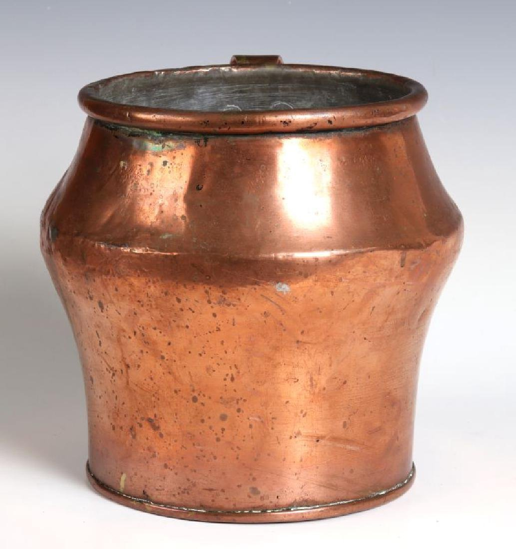 AN ANTIQUE ONE GALLON COPPER MEASURE - 7