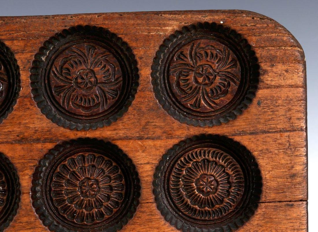AN ANTIQUE WOODEN SPRINGERLE COOKIE MOLD - 4