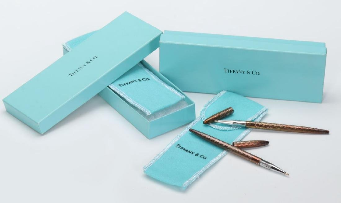 A COLLECTION OF ITEMS RETAILED BY TIFFANY & CO - 10