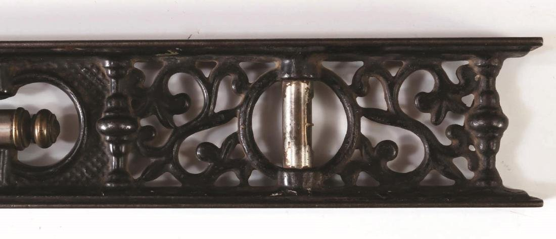 A LATE 19TH CENTURY DAVIS CAST IRON LEVEL - 4
