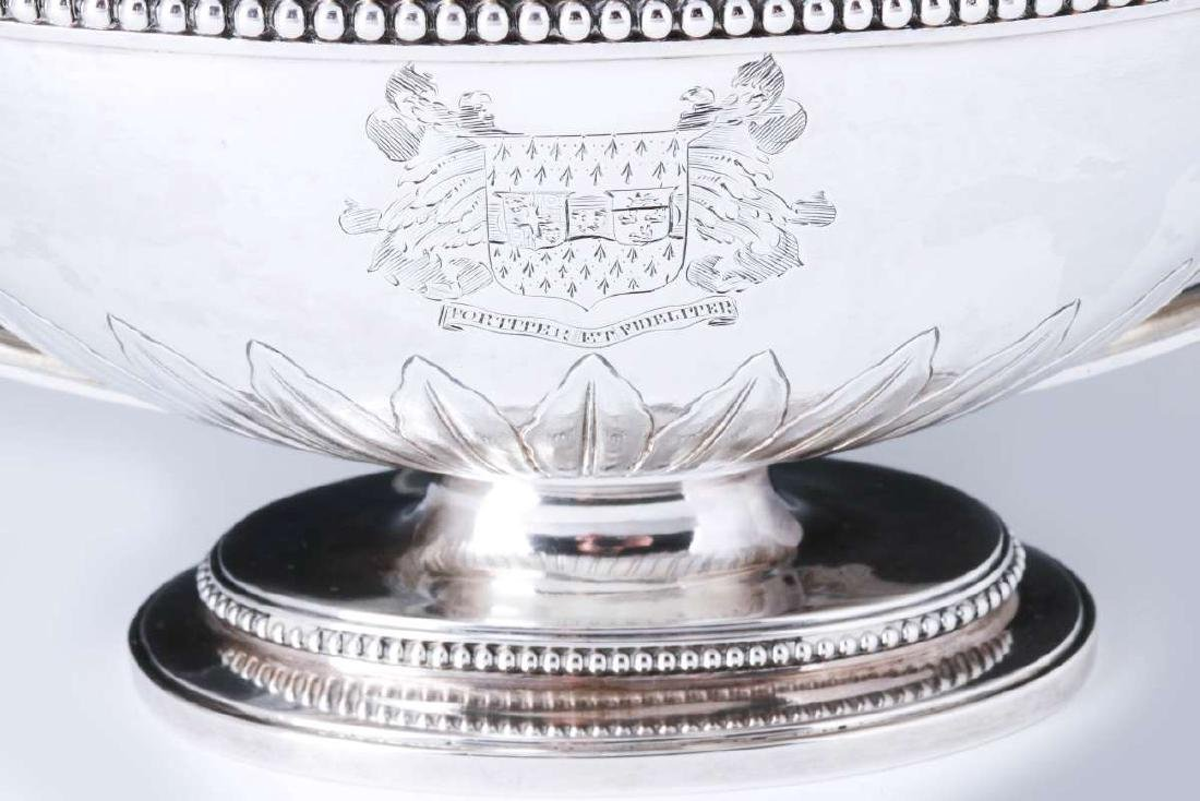 A PAIR GEORGE III STERLING SILVER SAUCE TUREENS - 2