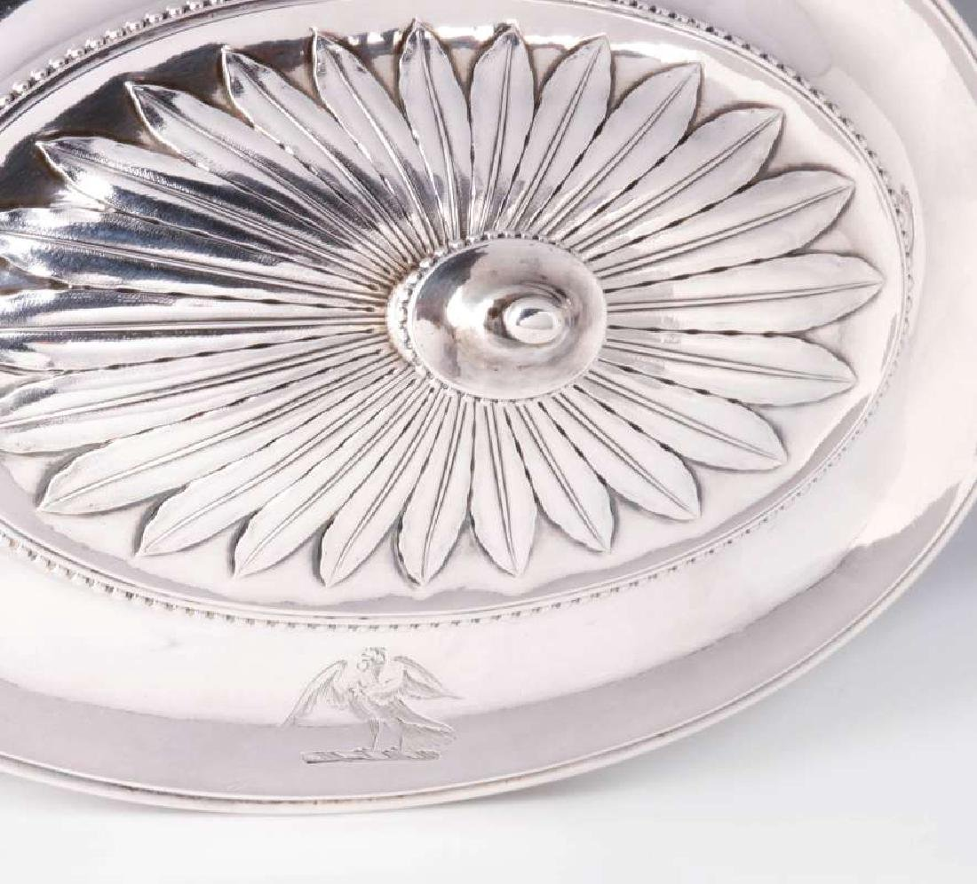 A PAIR GEORGE III STERLING SILVER SAUCE TUREENS - 9