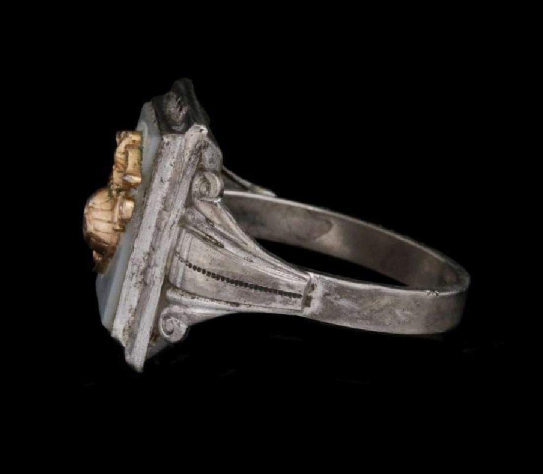 A VINTAGE STERLING U.S. MARINE CORPS RING - 4