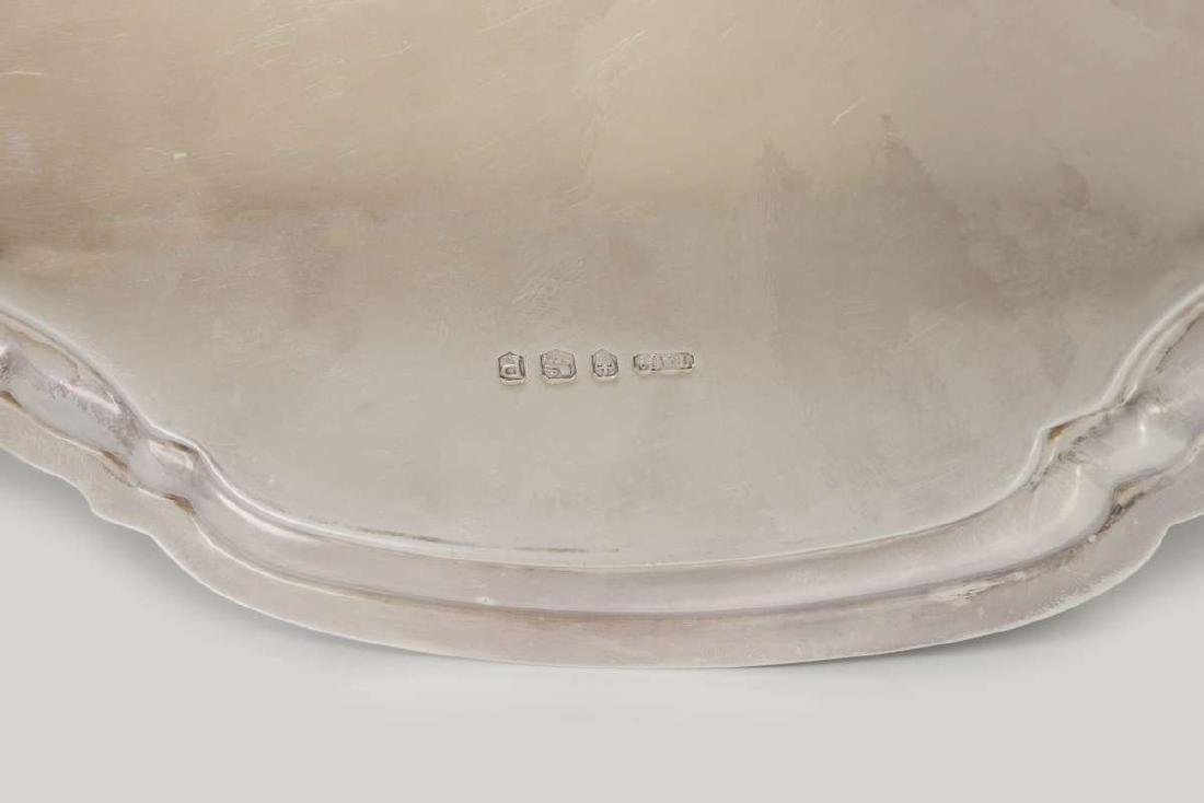 A T&CO STERLING SILVER SALVER, SHEFFIELD 1932 - 9