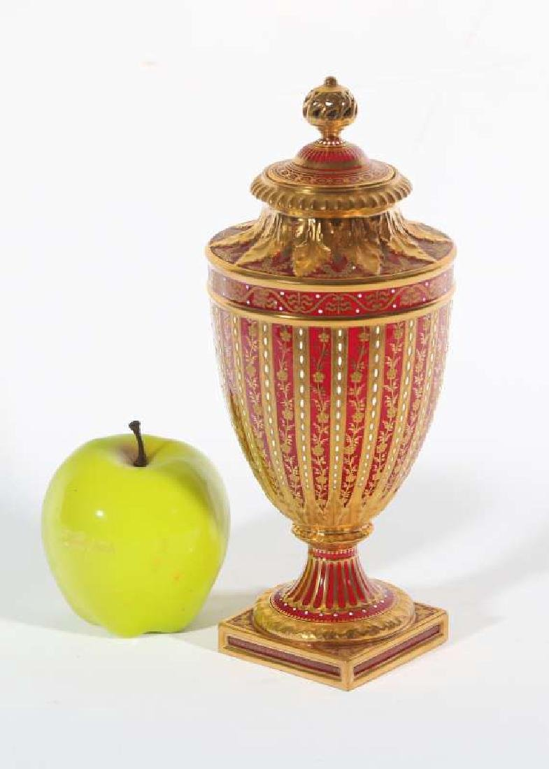 A LATE 19TH C. ROYAL CROWN DERBY COVERED VASE - 2