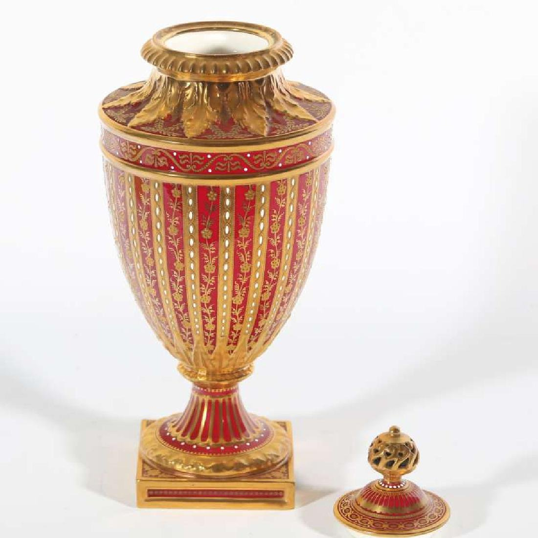 A LATE 19TH C. ROYAL CROWN DERBY COVERED VASE - 4