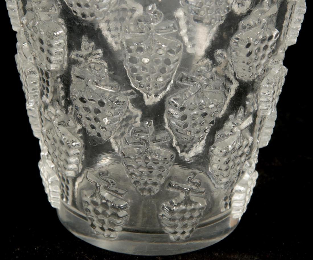 A FRENCH CRYSTAL VASE SIGNED R. LALIQUE - 3