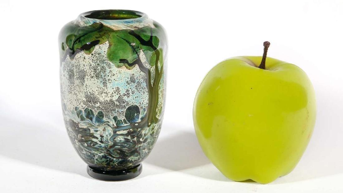 A JOHN NYGREN STUDIO GLASS VASE - 4