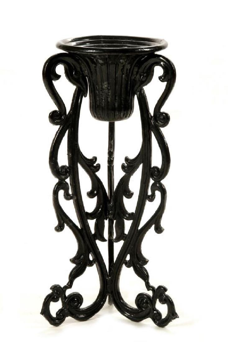 AN UNUSUAL VICTORIAN CAST IRON PLANTER ON STAND - 5