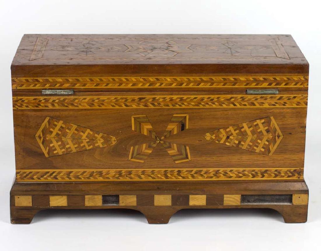 A CIRCA 1900 AMERICAN FOLK ART MARQUETRY BOX - 4