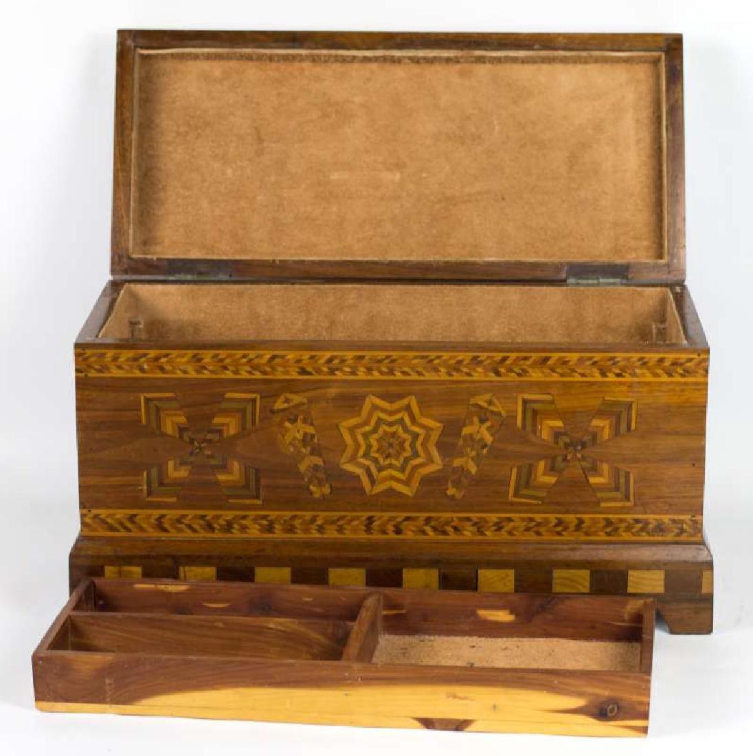 A CIRCA 1900 AMERICAN FOLK ART MARQUETRY BOX - 7