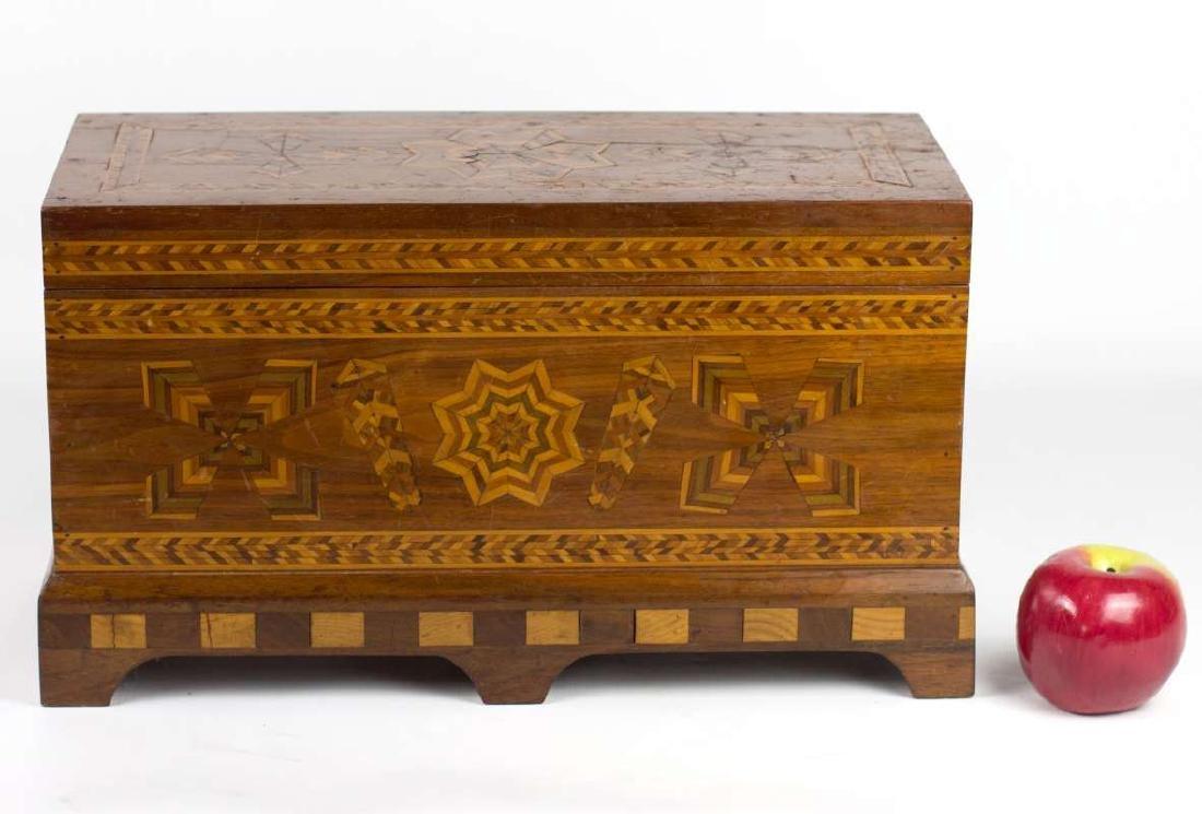 A CIRCA 1900 AMERICAN FOLK ART MARQUETRY BOX - 9