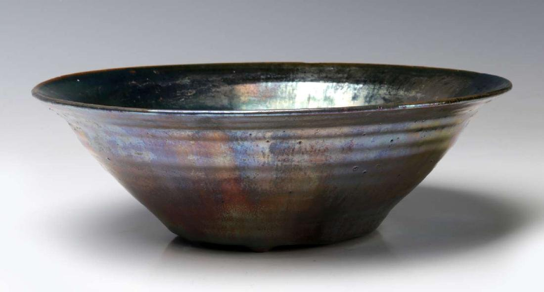 AN EARLY 20TH CENTURY PEWABIC POTTERY BOWL