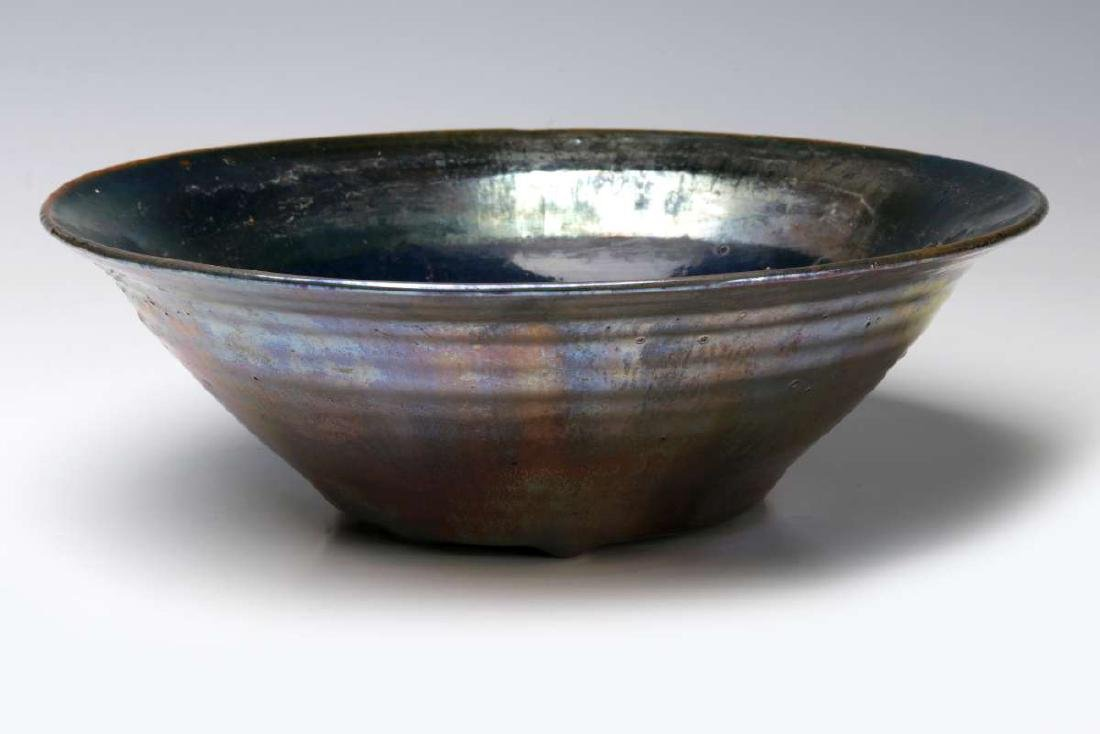 AN EARLY 20TH CENTURY PEWABIC POTTERY BOWL - 8