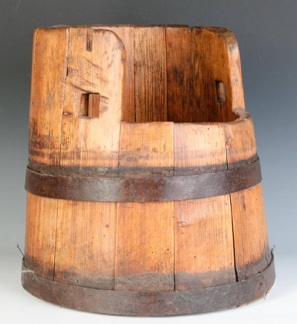 AN UNUSUAL 19TH CENTURY STAVE CONSTRUCTION BUCKET
