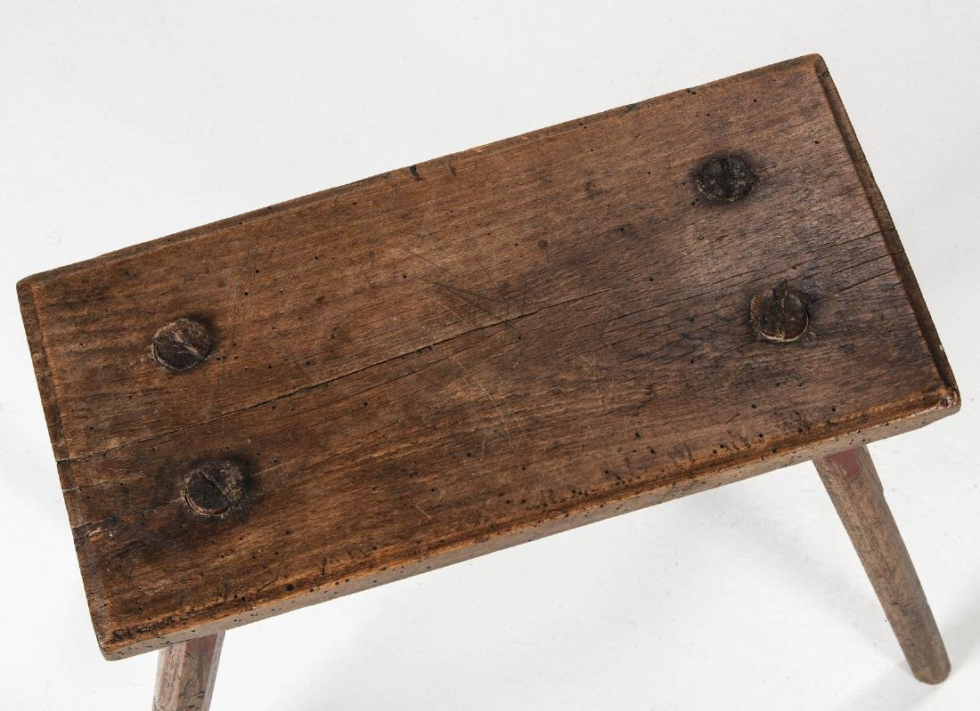 A PRIMITIVE LATE 18TH CENTURY CRICKET STOOL - 2