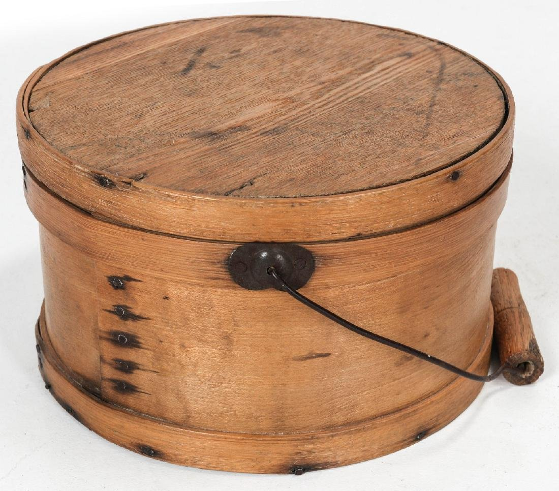 A CIRCA 1900 BENTWOOD PANTRY BOX WITH BAIL HANDLE - 3
