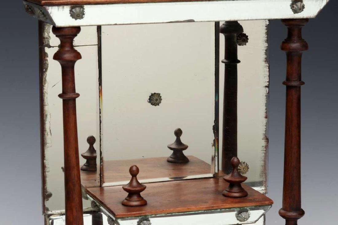 AN INTERESTING MIRRORED WHAT-NOT SHELF CIRCA 1875 - 4