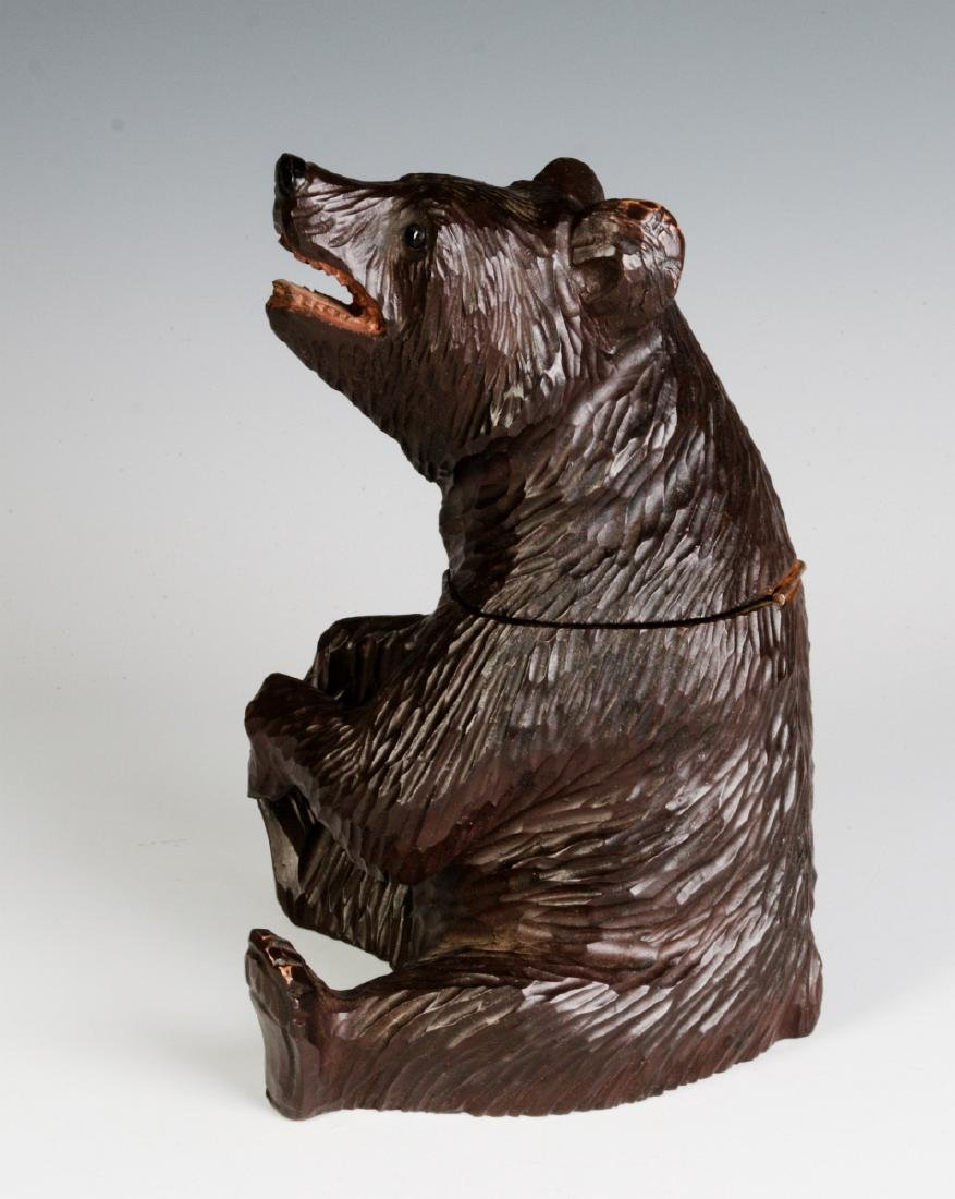 A BLACK FOREST CARVED FIGURAL BEAR CONTAINER - 5
