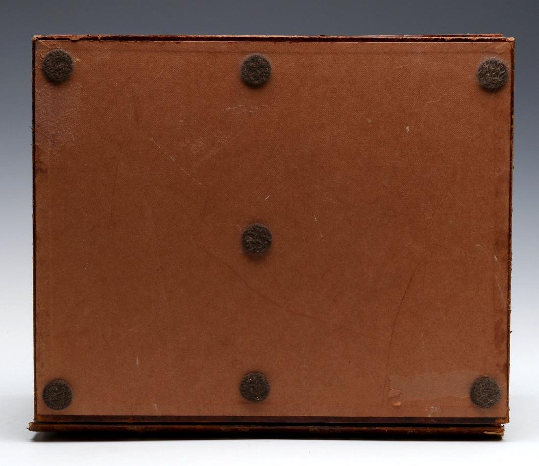 AN EARLY 20TH C. FRENCH FAUX LEATHER BOOKS BOX - 7
