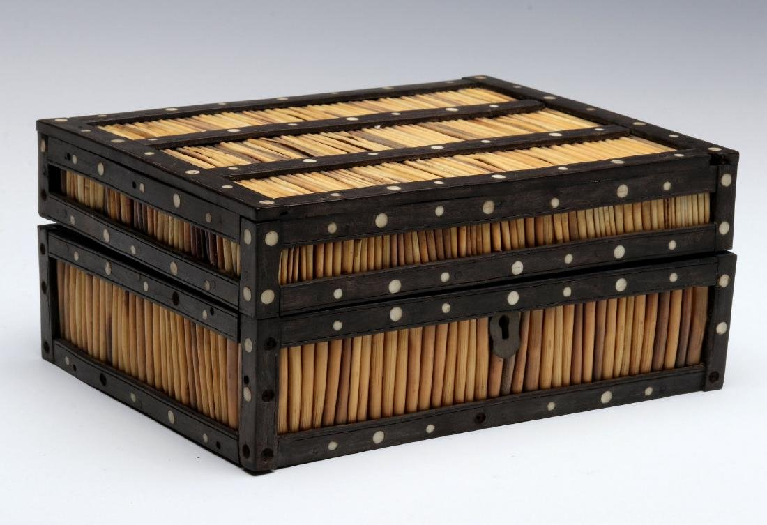 AN ANGLO-INDIAN INLAID PORCUPINE QUILL TRINKET BOX