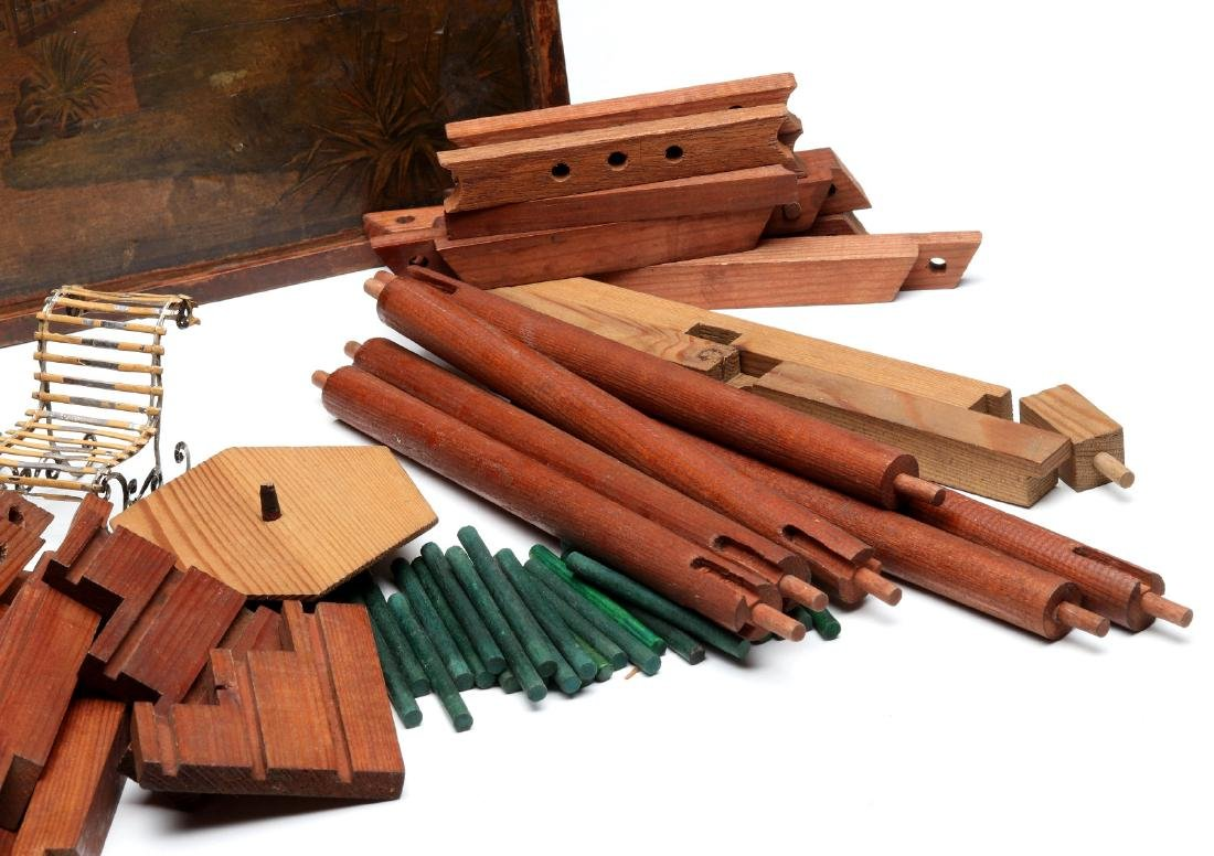 VICTORIAN LITHO ON WOOD BOXED BUILDING BLOCKS SET - 5