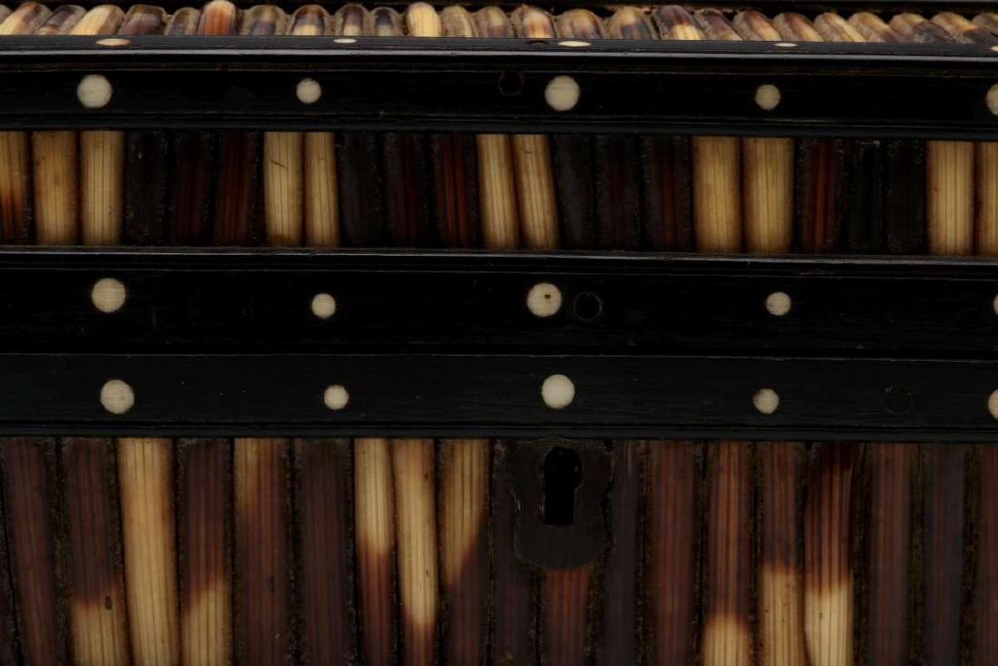 AN ANGLO-INDIAN INLAID PORCUPINE QUILL TRINKET BOX - 3
