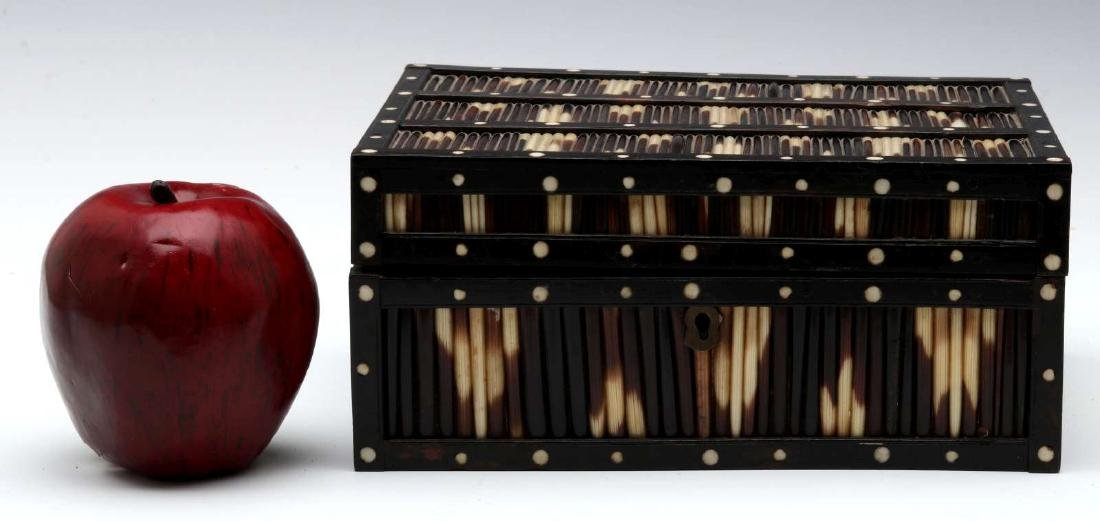AN ANGLO-INDIAN INLAID PORCUPINE QUILL TRINKET BOX - 2