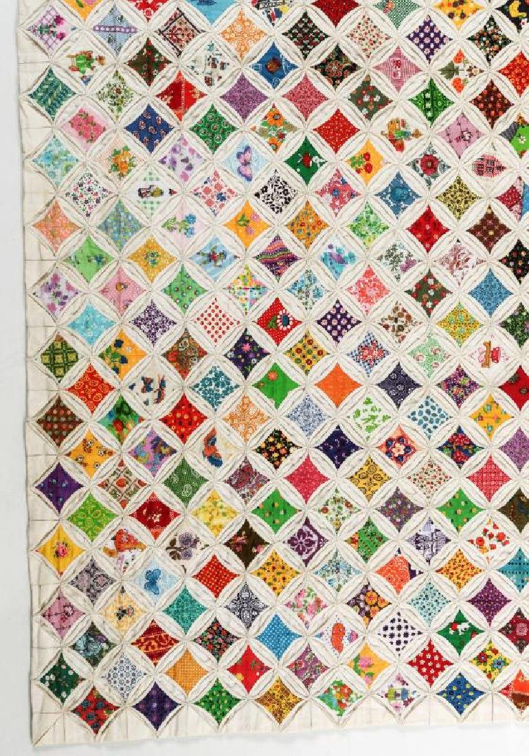A VERY FINE VINTAGE 'CATHEDRAL WINDOW' QUILT - 2