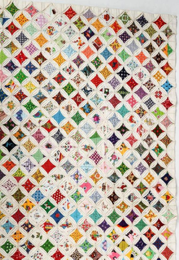 A VERY FINE VINTAGE 'CATHEDRAL WINDOW' QUILT - 5