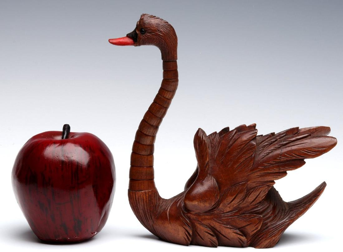 ELABORATE CARVING OF A SWAN WITH ARTICULATED NECK - 2