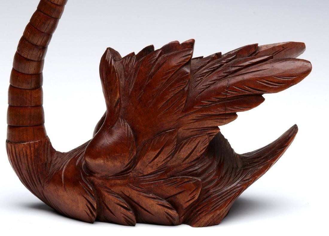 ELABORATE CARVING OF A SWAN WITH ARTICULATED NECK - 4