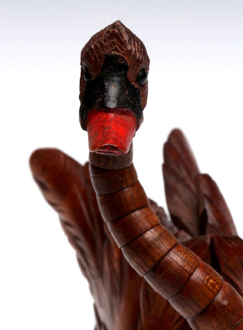 ELABORATE CARVING OF A SWAN WITH ARTICULATED NECK - 7
