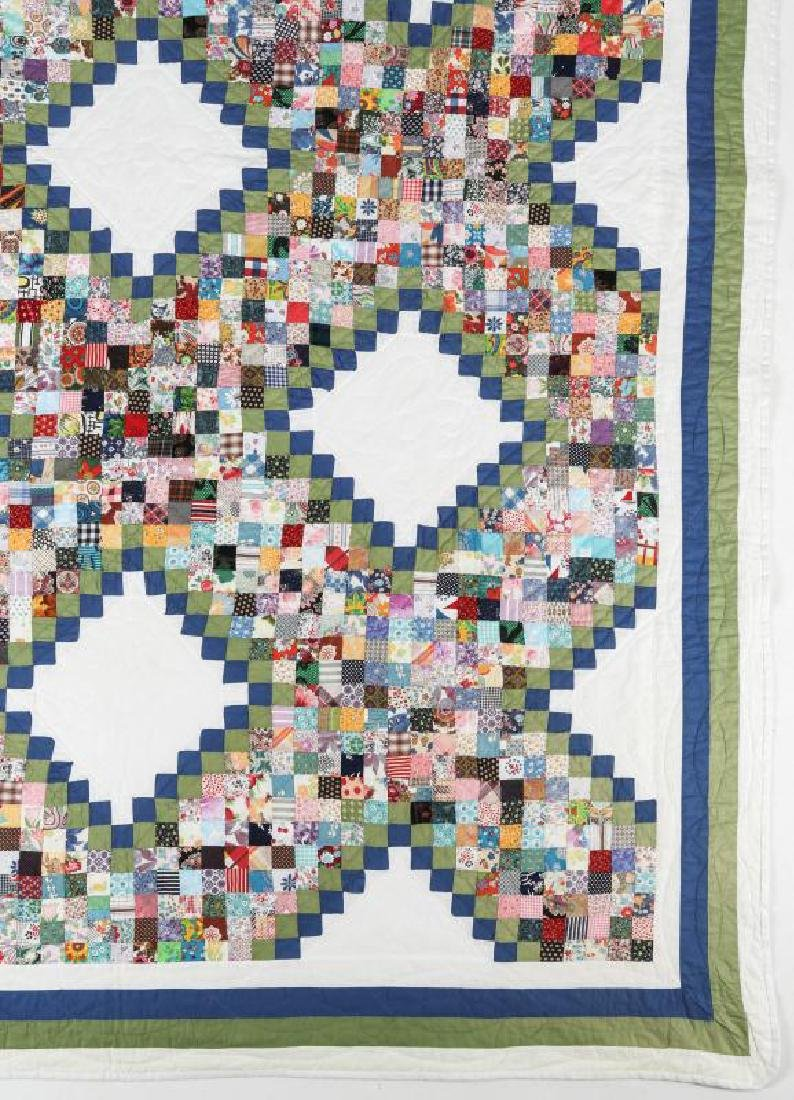 A VINTAGE 'POSTAGE STAMP IRISH CHAIN' QUILT - 2