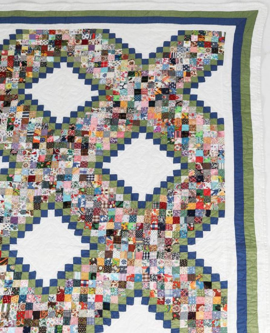 A VINTAGE 'POSTAGE STAMP IRISH CHAIN' QUILT - 4