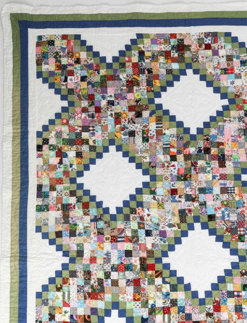 A VINTAGE 'POSTAGE STAMP IRISH CHAIN' QUILT - 5