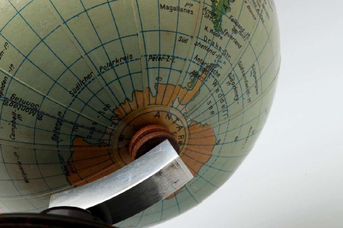 A MID 20TH C. GERMAN DESKTOP TERRESTRIAL GLOBE - 8
