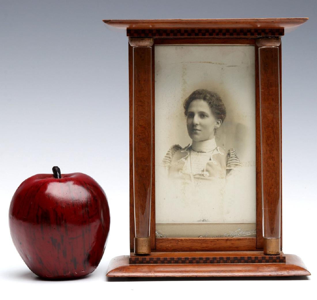 A UNIQUE AND UNUSUAL EDWARDIAN PICTURE FRAME - 2