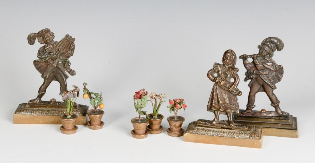 A GROUP OF SMALL EARLY 20THC. CAST BRONZE OBJECTS