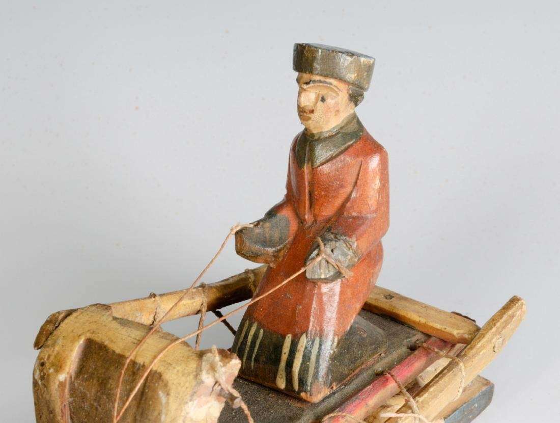 AN EARLY 20TH CENTURY EUROPEAN WOOD CARVING - 5