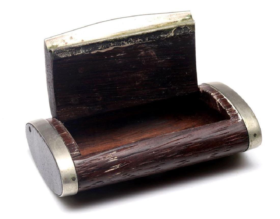 AN ANTIQUE FRENCH WALNUT SNUFF BOX WITH OVERLAY - 4