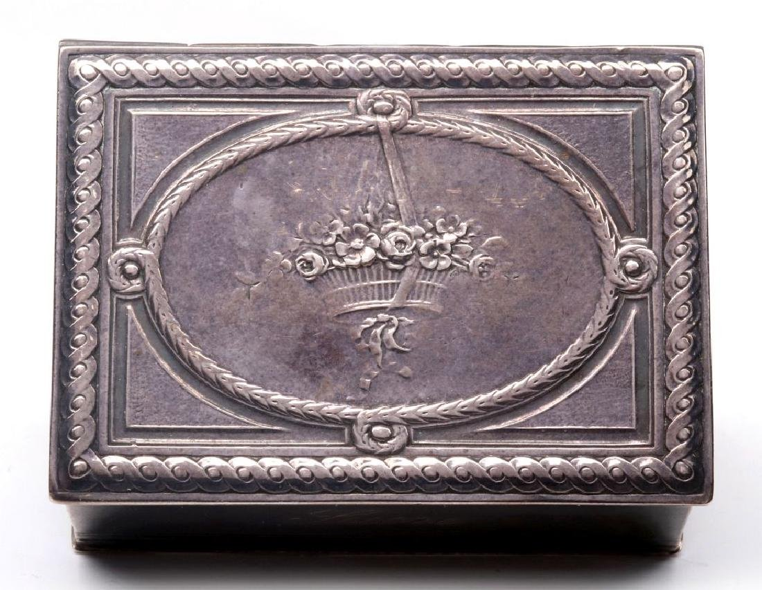 A 19THC. FRENCH ENGRAVED STERLING SILVER PATCH BOX - 2