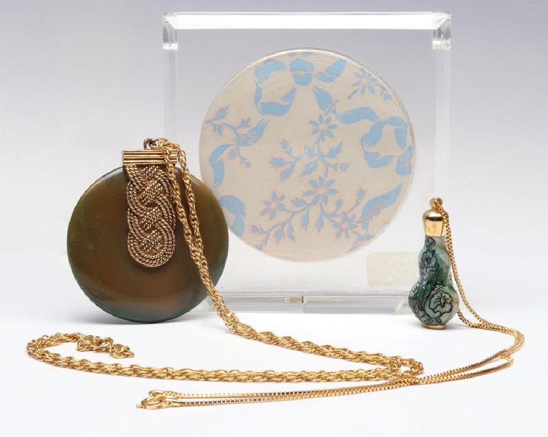 A COLLECTION OF VINTAGE PERFUMES AND COMPACTS - 6
