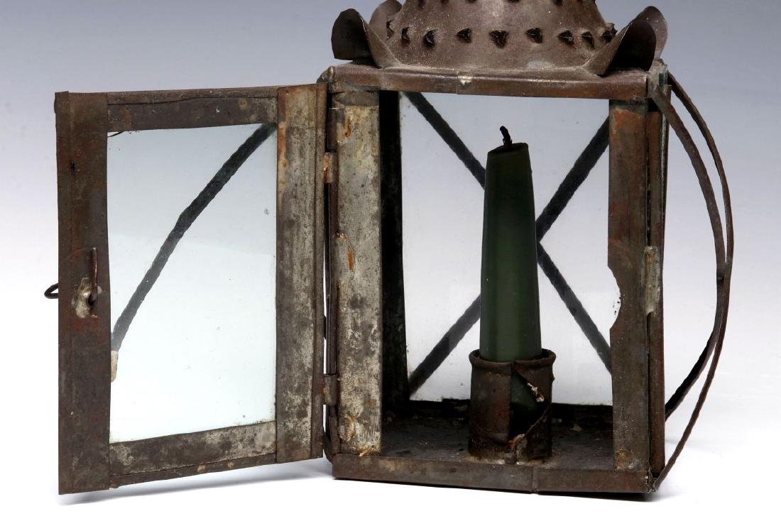 A 19TH CENTURY PIERCED TIN CANDLE LANTERN - 5
