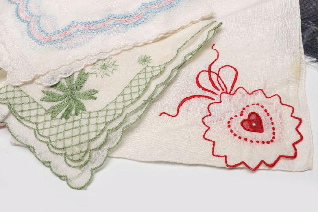 A COLLECTION OF ANTIQUE AND VINTAGE HANDKERCHIEFS