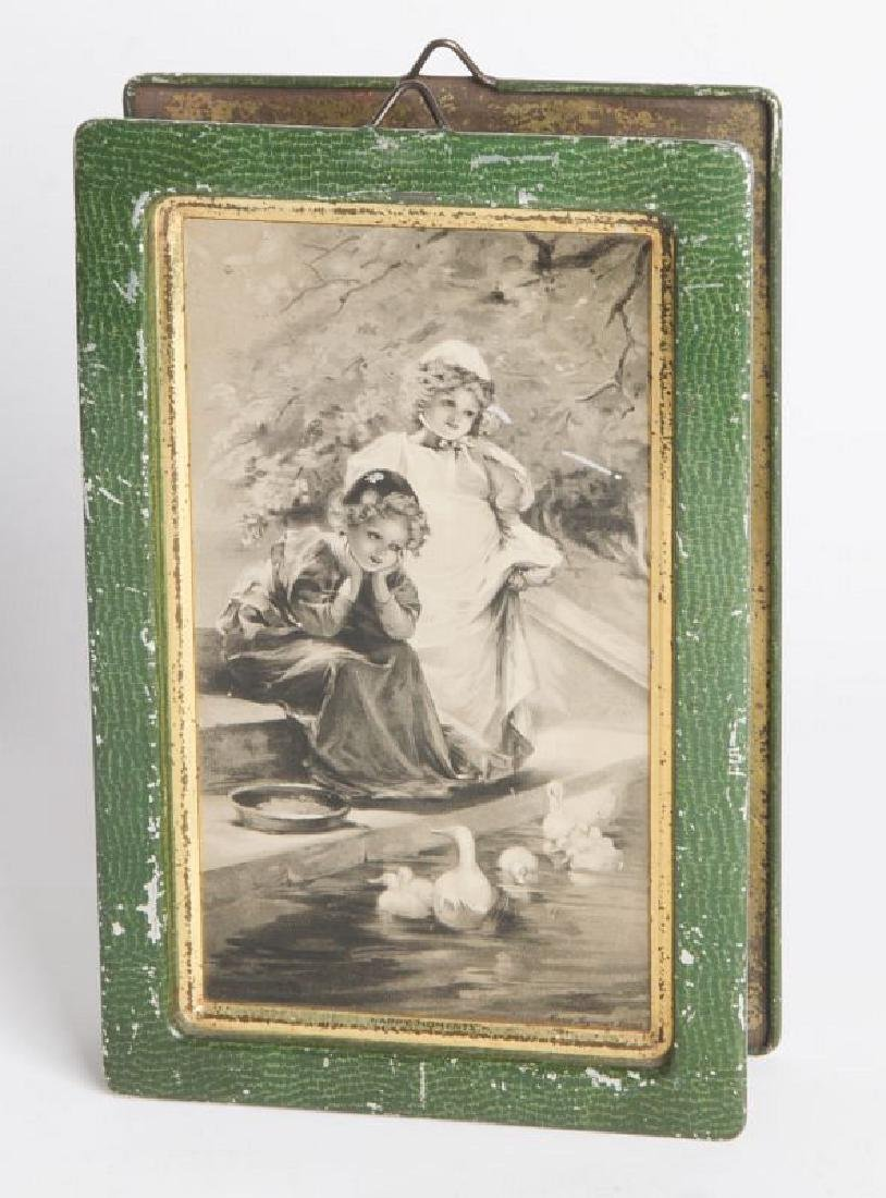 AN ENGLISH VICTORIAN LITHOGRAPHED TIN CONTAINER - 2