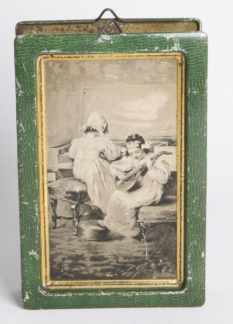 AN ENGLISH VICTORIAN LITHOGRAPHED TIN CONTAINER - 4