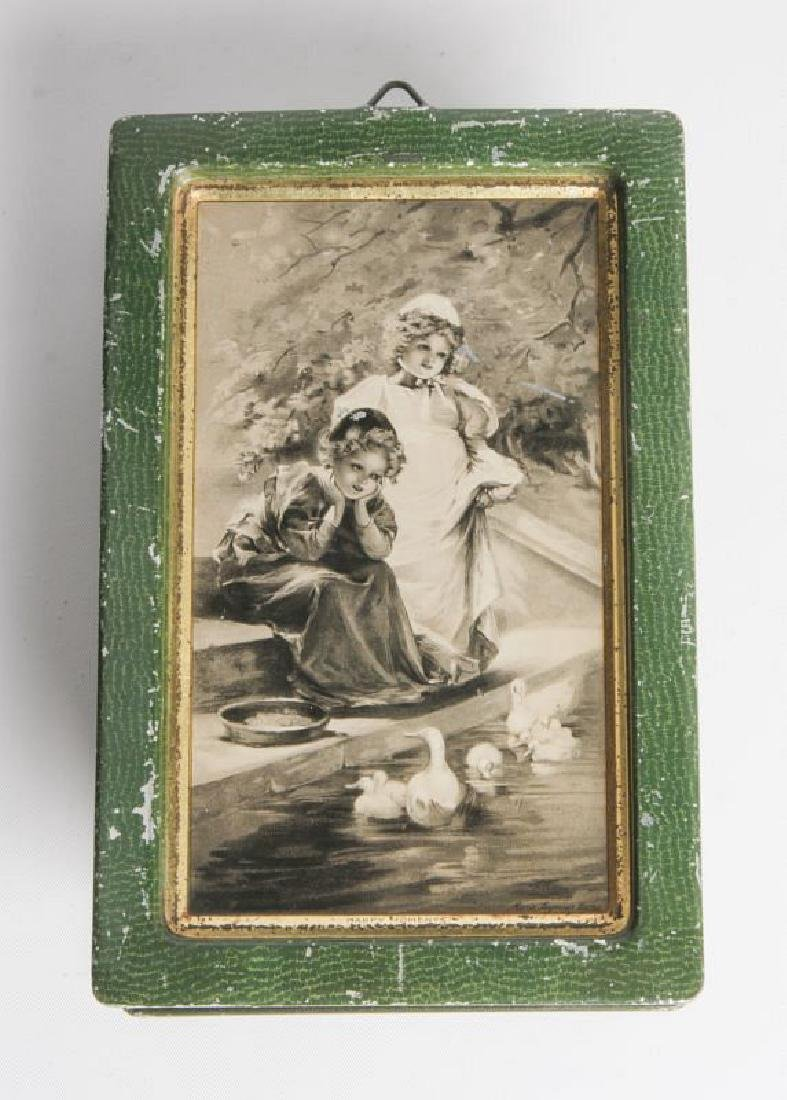 AN ENGLISH VICTORIAN LITHOGRAPHED TIN CONTAINER - 7