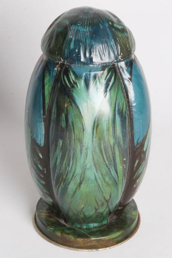 A BLUE BIRD TIN LITHO BISCUIT TIN CIRCA 1911 - 3
