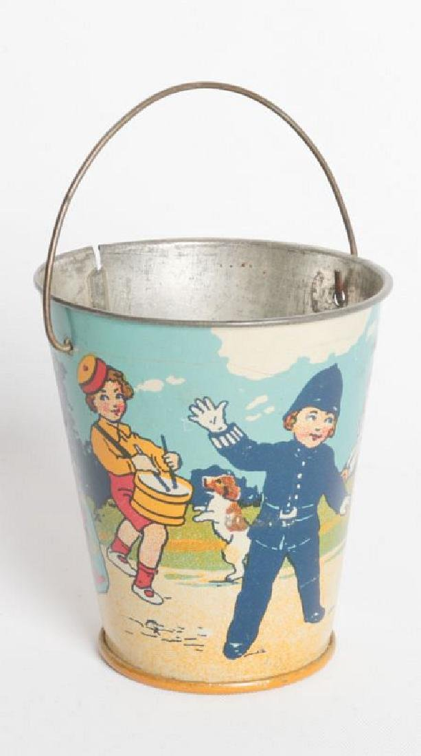 A CIRCA 1920 MINIATURE TIN LITHO CHILD'S SAND PAIL